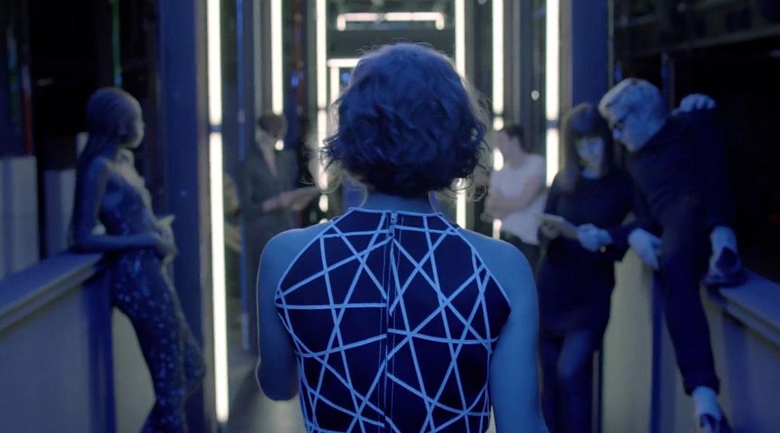 MARINE HENRION ® | Site Officiel | Créatrice de mode futuriste Musique