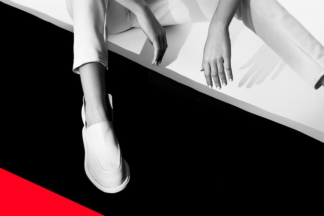 MARINE HENRION ® | Site Officiel | Créatrice de mode futuriste Nyima Marin