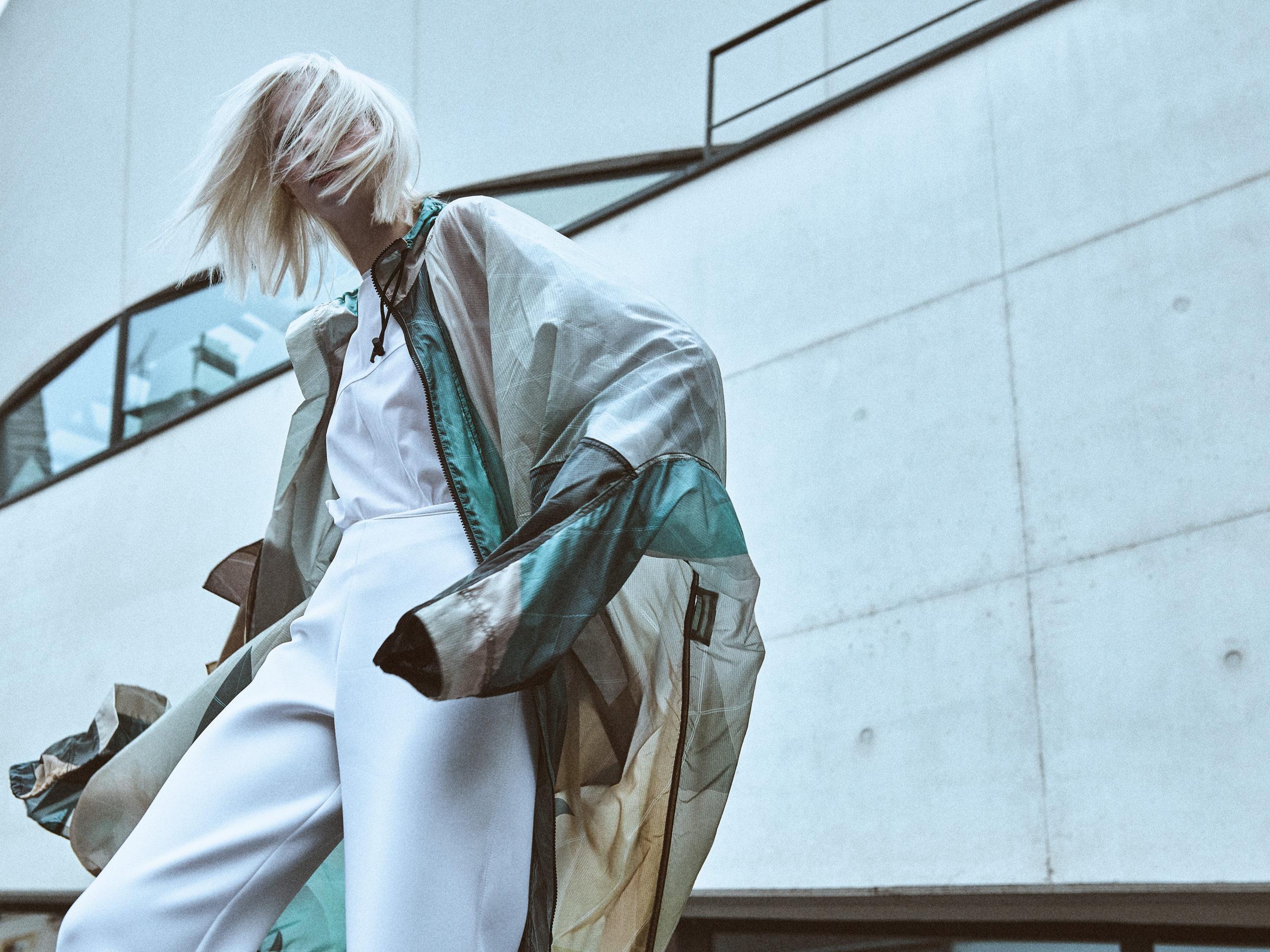 MARINE HENRION ®   Site Officiel   Créatrice de mode futuriste L'Edito Magazine - 2019
